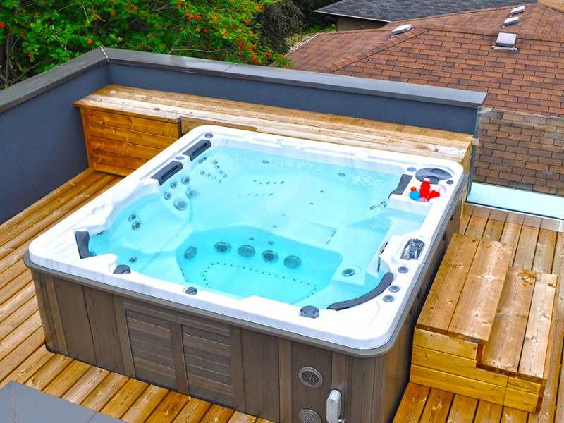 Hydropool Hot-tub on a roof top